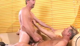 Nasty dilf cums on mature hairy gay